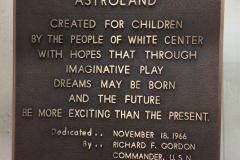 astroland-plaque-2